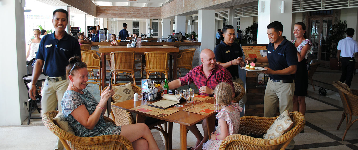 Finns Recreation Club - Bali's premier entertainment and sporting venue where everyone is welcome.